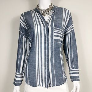 I1-4: Lucky Brand Denim Long Sleeve Size Small